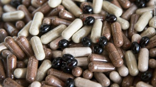 FDA Made a Shocking Discovery! A Majority of Herbal Supplements at GNC, Walmart, Walgreens, and Target Don't Contain What They Claim – Instead Cheap Fillers and Allergens!