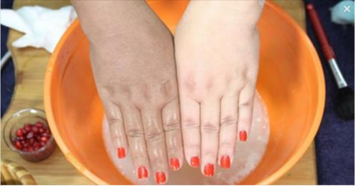 Try this Hand Whitening Homemade Formula!
