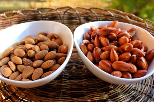 6 Reasons Why You Should Eat Soaked Almonds Every Day